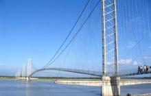 झोलुंगे पुलमा सौर्यबत्ती जडान