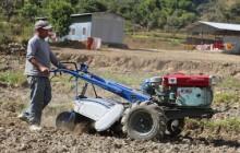 आधुनिक उपकरण वितरण सहित कृषकलाई प्रविधिमैत्री बनाउँदै नलगाड नगरपालिका