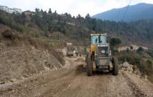 मध्यपहाडी लोकमार्गको पर्वत खण्डमा काम रोकियो